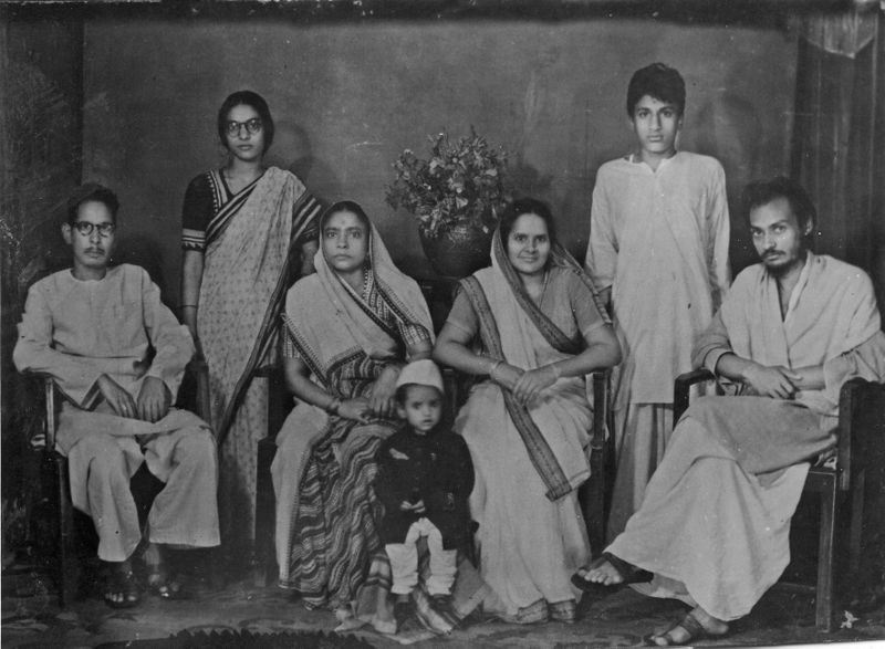 File:Osho and family 1951.jpg