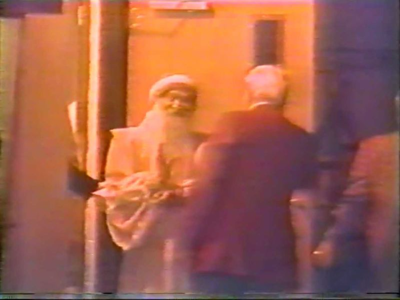 File:Osho's Arrest 05.jpg